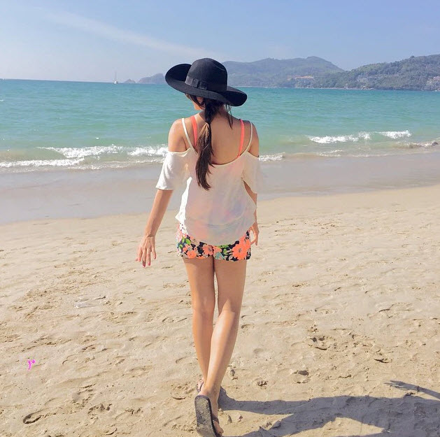Kiara Advani Hot Bikini Pictures Lifehyme